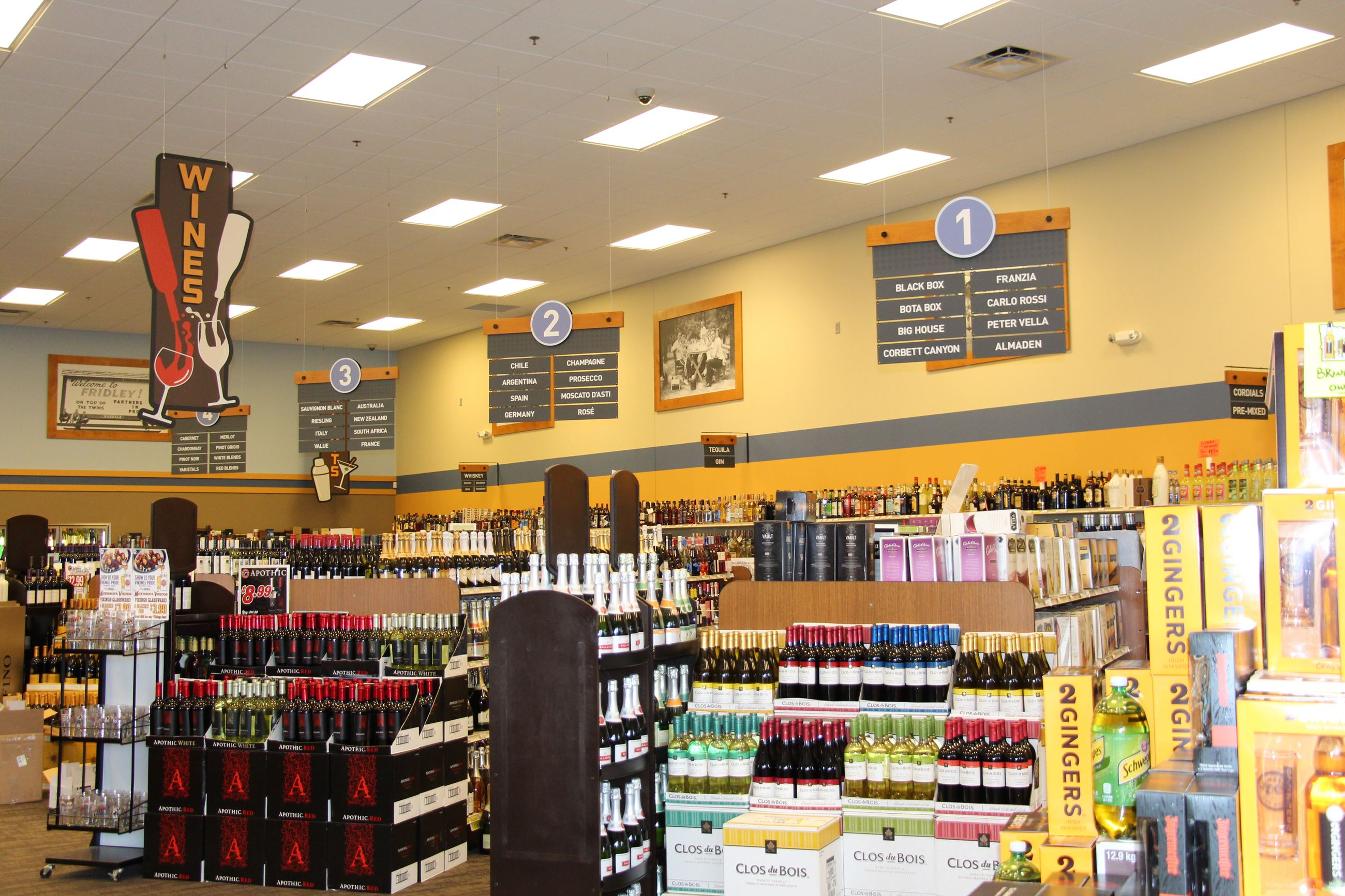 Fridley Liquor interior